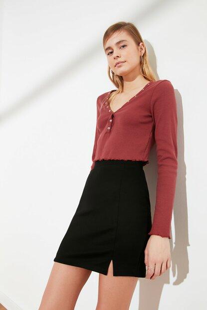 تنورة قصيرة بفتحة سوداء نسائية