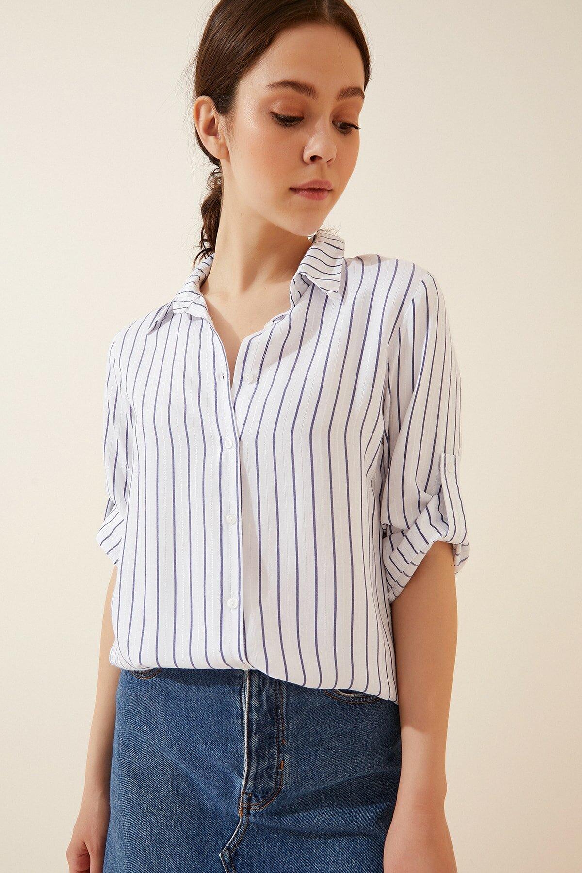 قميص مخطط بأكمام مطوية نسائي